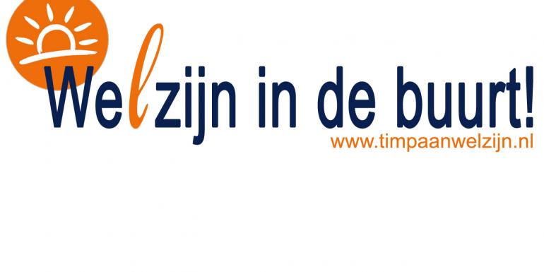 Timpaan Welzijn schenkt koffie in de Mix tijdens de weekmarkt